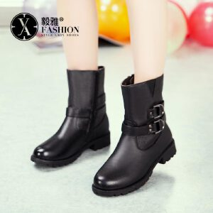 【满200减100】【毅雅】女鞋秋冬新款欧美时尚短筒靴子低跟百搭潮马丁靴纯色女靴