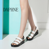 Daphne/达芙妮圆漾夏 时尚潮扣带平底低跟露趾女凉鞋厚底防水台-