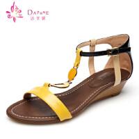 Daphne达芙妮2015夏季新款女鞋 陂跟包跟金属装饰凉鞋1015303030