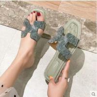 拖鞋女外穿百搭潮款新款韩版方头水钻平底一字拖仙女罗马凉拖