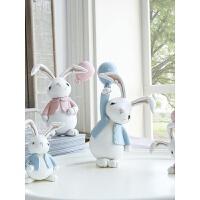 卡通车载汽车装饰品创意摆件生日礼物可爱少女树脂兔子情人节礼物