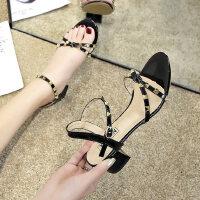 女士凉鞋户外时尚晚晚鞋仙女风中跟粗跟百搭铆钉鞋子