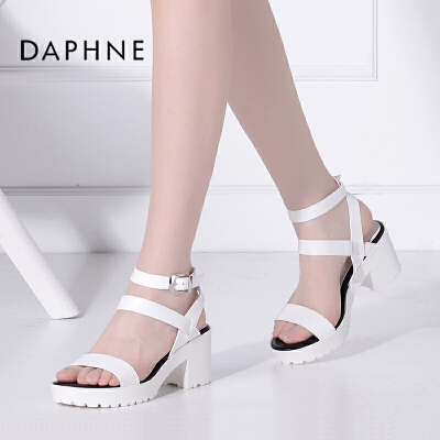Daphne/达芙妮春夏 时尚粗高跟一字扣圆头露趾凉鞋