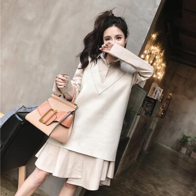韩版V领马甲衫+气质不规则衬衫连衣裙2018新款女装春装 时髦套装 发货周期:一般在付款后2-90天左右发货,具体发货时间请以与客服协商的时间为准