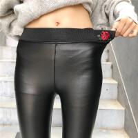 2018新款秋冬玫瑰花刺绣加绒哑光皮裤黑色裤子外穿打底裤女铅笔裤