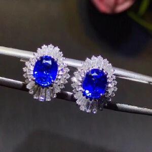 斯里兰卡蓝宝石耳钉,皇家蓝,高净度,满火彩,主石4*6mm