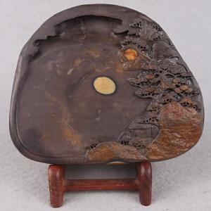 中国非物质文化遗产传承人群 钟景锐作品《松山雅居》砚 梅花坑