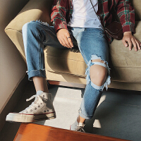夏季韩版蓝色膝盖破洞牛仔裤男士青年修身小脚九分裤子潮