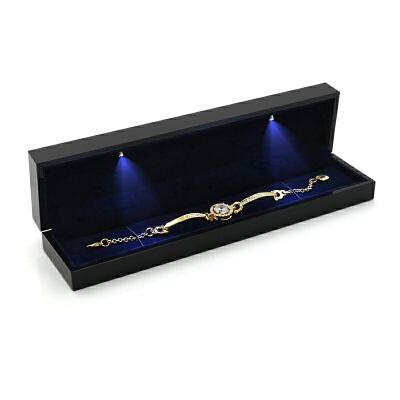 结婚led灯钻石戒指盒婚礼高端创意欧式对戒吊坠胸针手镯盒 发货周期:一般在付款后2-90天左右发货,具体发货时间请以与客服协商的时间为准