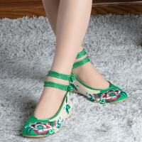 实拍布鞋女单鞋坡跟复古民族风绣花鞋女大码高跟复古汉服鞋子
