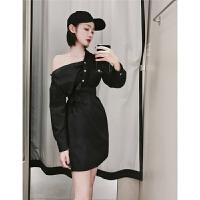 韩版设计款复古斜肩露肩纽扣不对称条纹衬衫腰带开衩连衣裙