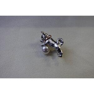 小狗造型淡水珍珠胸针