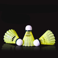 羽毛球塑料胶球 打不烂12只装耐打羽毛球尼龙球耐打王桶装羽毛球6只装HW