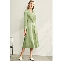 【券后预估价:216元】Amii极简法式女神范气质连衣裙2020春新款V领收腰显瘦中长款A字裙